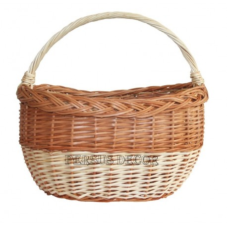 Oval wicker basket for shopping