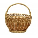 Wicker shopping basket with clams