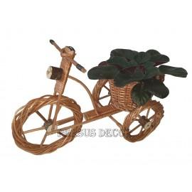Suport flori din rachita - tricicleta Suport flori din rachita in forma de tricicleta este recomandat pentru ghivecele de flori