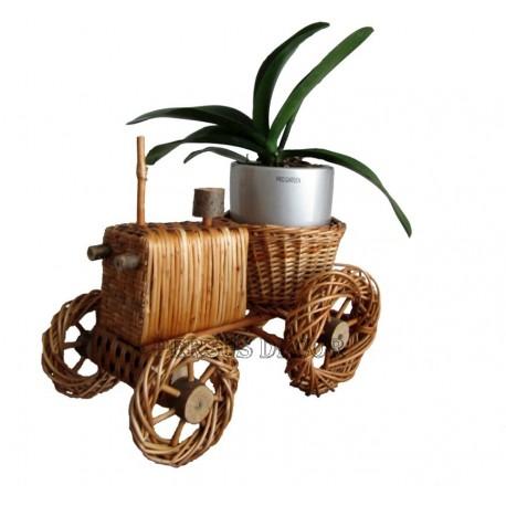 Wicker flower support - tractor